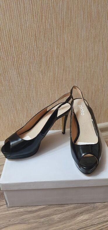 Женская обувь - Бишкек: Абсолютно новые босоножки, Plato, черного цвета, 40 размер. Для тех