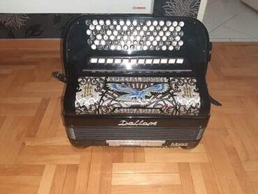 Harmonike - Srbija: Na prodaju xarmonika Dalapa rucni. rad na dwe osovine 70god sa Bugari