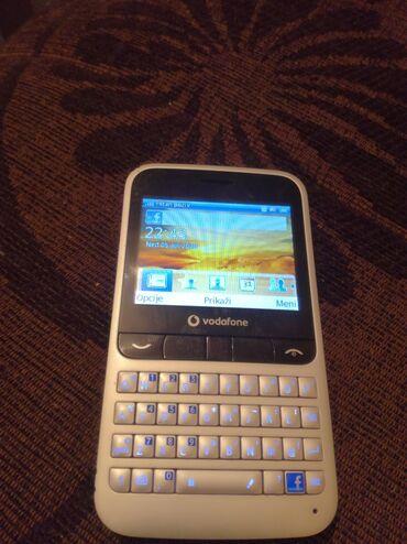 Vodafone | Srbija: Vodafone 555 blue Ispravan telefon u potpunosti Baterija drzi oko 2