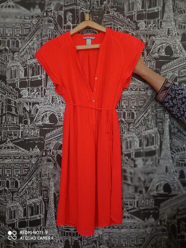 Личные вещи - Балыкчы: Платье-туника Яркий коралловыйОт H$MНа талии завязки, с сзади немного
