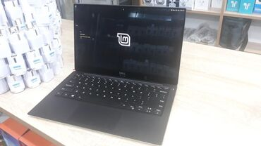 Dell yenidir çox az istifadə olunub.ideal vəziyyətdədir.Ultra(nazik)