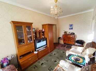 Продажа квартир - Бишкек: Хрущевка, 2 комнаты, 42 кв. м Совмещенный санузел, Угловая квартира