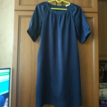 женское платье размер 46 48 в Кыргызстан: Платья женские 46-48 размер. Синее с поясом. Есть и другие