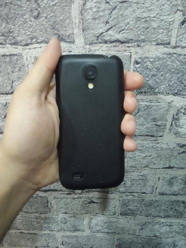 Samsung в Сабаиль: Salam s4 min yaxsi vaziyatdadi karopqasi var tazaliyinan ozumda olub