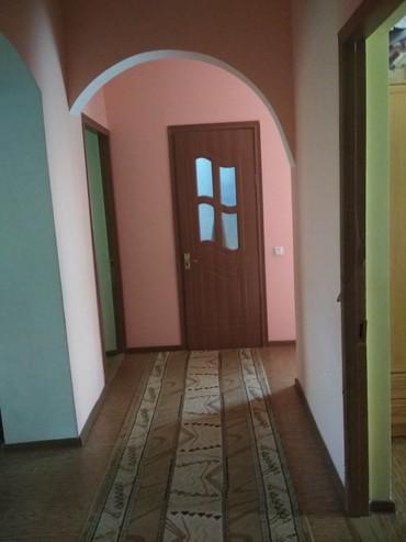 Продается квартира: 3 комнаты, кв. м., Кара-Балта в Кара-Балта