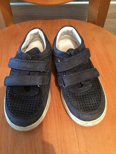 Обувь б/у детская осенняя. Размер 27. На возраст 3- 4 года. Турция