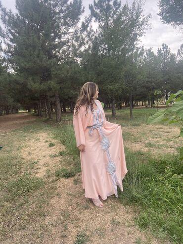 платья вечерние in Кыргызстан | МАТЕРИНСКИЕ ПЛАТЫ: Продаю вечернее платье,хорошо подойдёт для никяха,вечерасвадьб