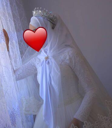 Личные вещи - Бакай-Ата: Продаётся свадебное платье 8000 добавки карона, фата, кольцо