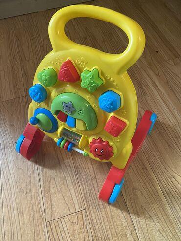 Yurutec ve inkisaf etdirici oyuncaq. Musiqi yaddasi, tekrarlamaq bacar