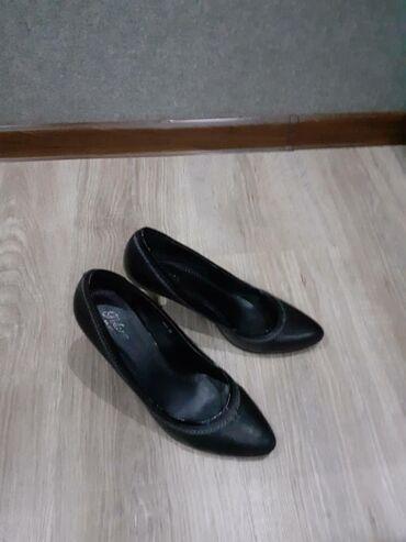 Кожаные туфли 39ьразмера, в отличном состоянии