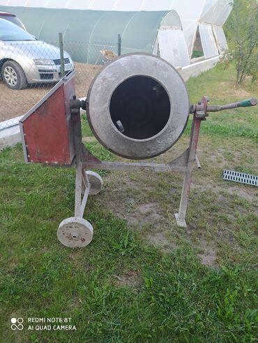 Mesalica za beton - Srbija: Mesalica za beton LIV postojnaLiveni bubanj, ram i tockovi. U ocuvanom