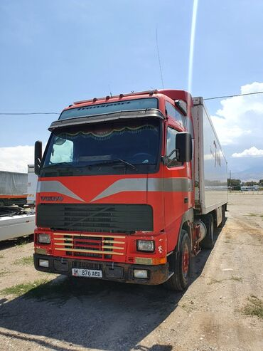 Купить грузовик до 3 5 тонн бу - Кыргызстан: Продаю грузовик с холодильником volvo fh380 прицеп шмитц оборудование
