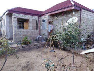 Bakı şəhərində Yeni suraxanida marwuruta 300 metr mesafede 4 otaqli ev satilir