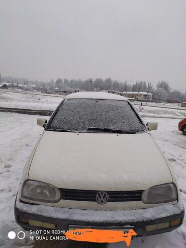audi coupe 21 mt в Кыргызстан: Volkswagen Golf 1.9 л. 1994