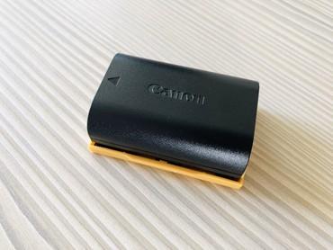 Зарядные устройства - Кыргызстан: Аккумулятор Canon LP-E6N (новый) оригинал от комплекта Canon 5d mark 4