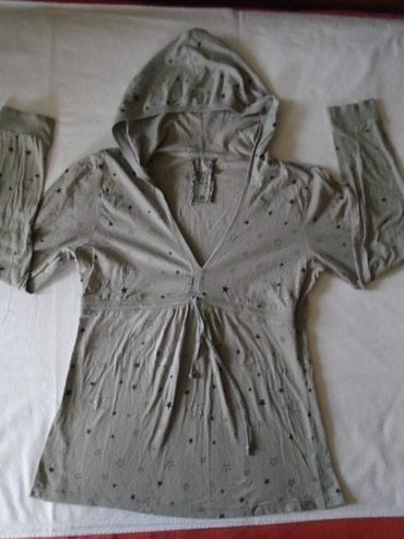 Duks sa kapom - Srbija: Majica/duksić sa zvezdicama Blind date casual, XL veličine, baš lep