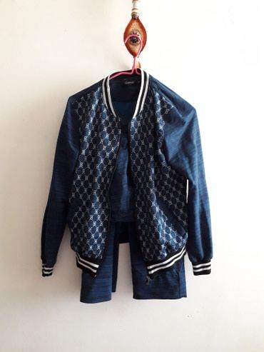 Спортивные костюмы - Джалал-Абад: Спортивка почти новое 1 раз только одела 46-48 размер 700 сом отдам