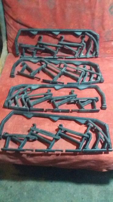 Крепления для лыжь на автомобиль для рейлингов в Токмак