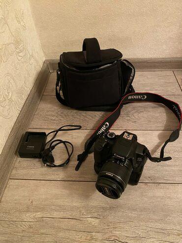 Продаю зеркалный фотоаппарат canon 650d, сенсорная экран,дополнительно