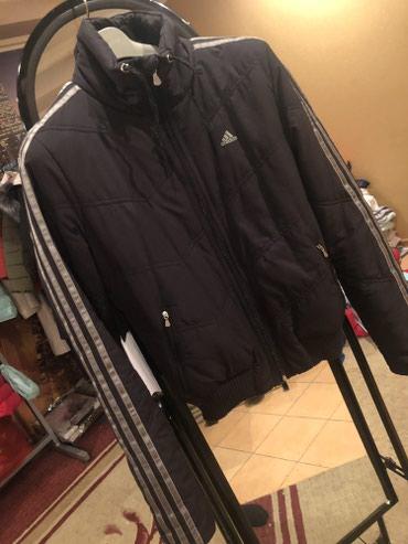 Куртка Адидас Раз. 40. Оригинал Состояние отличное в Кара-Балта