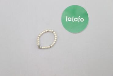 Жіночий браслет з перлинками та хрестиком    Діаметр: 8 см  Стан гарни