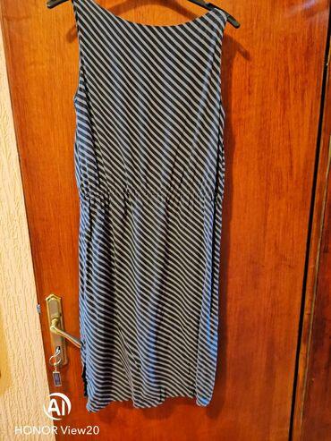 Sal dimenzije cm - Srbija: Jako lepa, ocuvana svilena haljina. DimenzijeRamena : 38 cmObim grudi