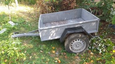 Vodeni transport - Srbija: Auto prikolica u solidnom i očuvanom stanju. Ista je kupljena u