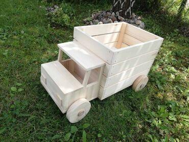 Kamion - Srbija: Broj predmeta: Drveni kamiončić. Dimenzije dužina 47 cm (prikolica 32
