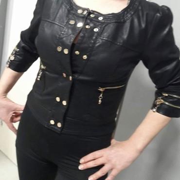 Nova prelepa jakna vel S M - Batajnica