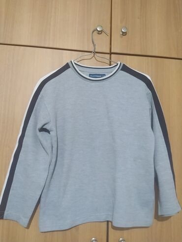 Crew neck long sleeve size Small