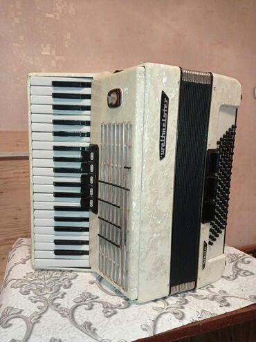 Аккордеоны - Бишкек: Немец аккордеону Валтмеистер стелла.Абалы мыкты, россиядан