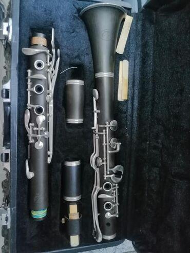 Sol klarnet Türk müsiqilərini ifa etmək üçün. Hüsnü Şənləndirici stili