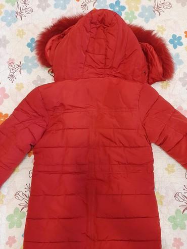 sportivnye kostjumy muzhskie xl razmer в Кыргызстан: Куртка для девочки:размер xl,на10-11 лет,внутри верблюжья шерсть,мех