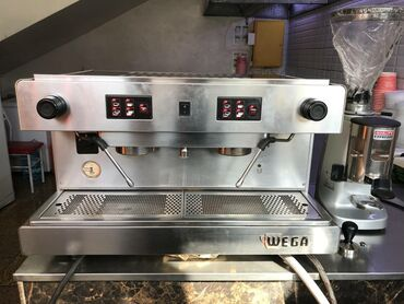 Продаю комплект! Кофемашина WEGA + кофемолка Mazzer + 3 холдера