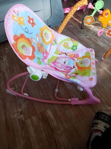 Autosedišta i nosiljke za bebe | Srbija: Njihalica i stolicica za bebe Korišćena je jako kratko, super je očuva