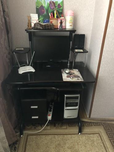 программное обеспечение компьютера в Азербайджан: Продается компьютер и компьютерный стол,общая цена 300 манат