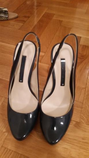 teget lakovane Zara sandale nosene dva puta 37 vel - Beograd