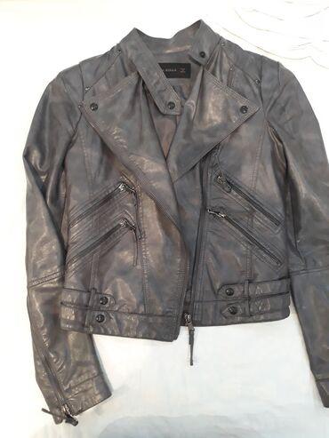 shellak s dizajn manikjurom в Кыргызстан: Куртка из эко кожи размер s почти новая