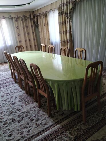 Продается Стол для зала со Стульями (12стульев) Дерево