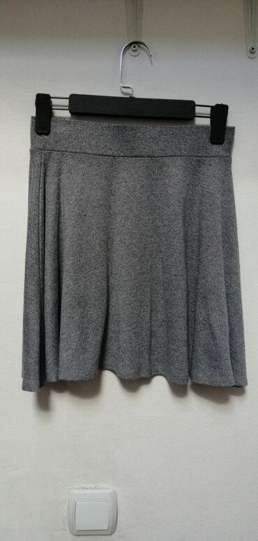 Ženska odeća | Srbija: Fb sister suknjica, naznačena veličina je xs ali se rasteze i do M