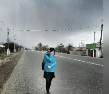 женская куртка осень весна в Кыргызстан: Куртка осень-весна  Обмен интересует