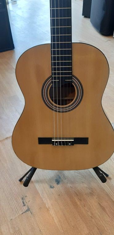 Bakı şəhərində Klassik gitara vega. Keyfiyyətli materialı və düzgün
