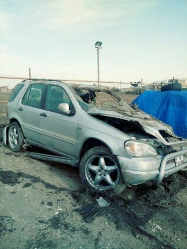 Sumqayıt şəhərində Mercedes-Benz 2000