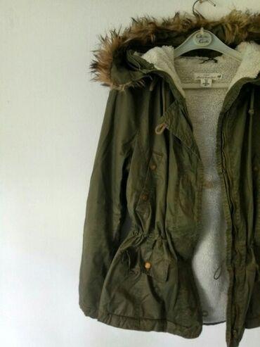 Zimska jakna sa krznom - Srbija: H&M zelena military PARKA sa krznomBrend: H&MTip: zimska