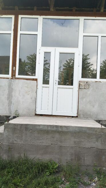 продам дом селе в Кыргызстан: Продам Дом 12 кв. м, 5 комнат