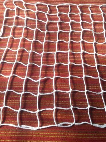 сетка для футбольного поля в Кыргызстан: Продается футбольная сетка, крошка для поля. А также установка. Тел