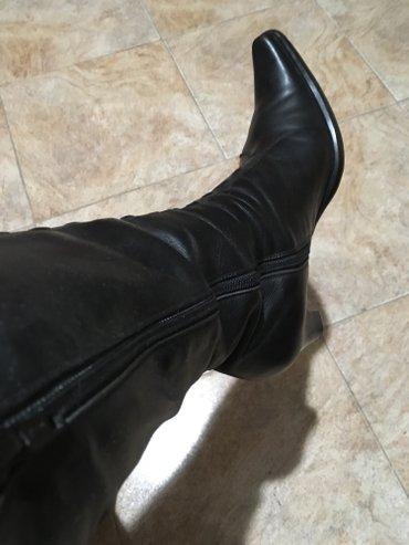 Kozne cizme iz italije, br. 39, postavljene, crne boje, visina stikle - Belgrade