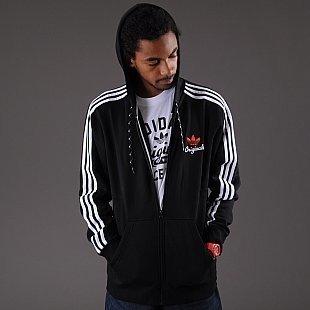 Adidas Джемпер с капюшоном на молнии. в Бишкек