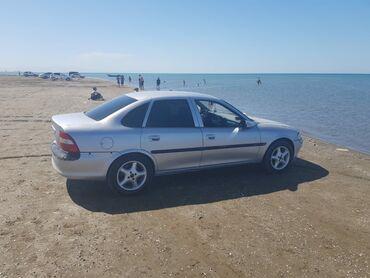 Opel Vectra 1.8 l. 1997   158000 km