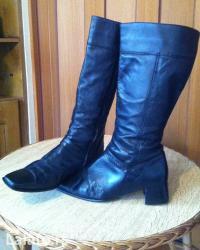 Zenske kozne cizme u crnoj boji sa potpeticom, velicina 41. Zenske - Beograd